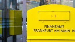 Land plant Fusion der fünf Frankfurter Finanzämter
