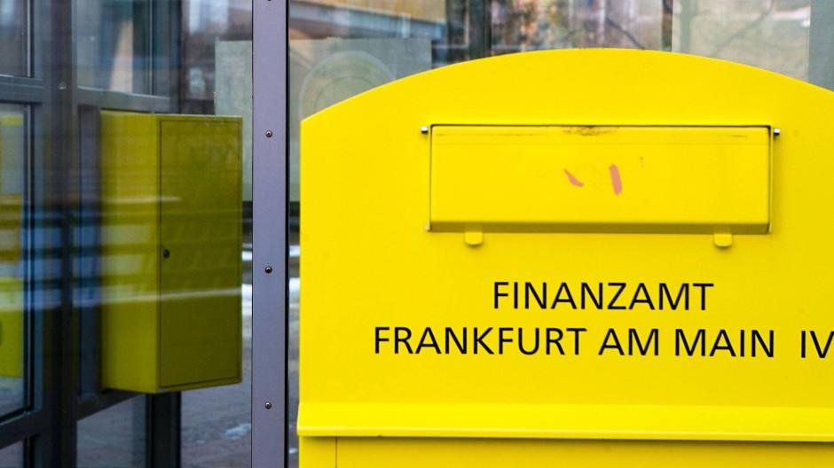Aus fünf mach' eins: Die fünf Frankfurter Finanzämter sollen zu einer großen Behörde zusammengefasst werden.