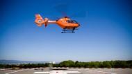 Einsatz: Der bei Baumarbeiten am Hals verletzte Rentner aus Homberg/Ohm wurde per Rettungshubschrauber in die Frankfurter Uni-Klinik geflogen (Symbolbild)