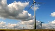 Gegenwind: Die Grünen wollen den Bau von Windrädern in Hessen mit neuen Vorgaben vorantreiben.