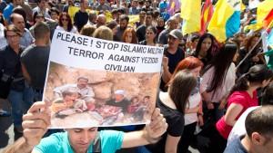 1000 Menschen demonstrieren gegen Gewalt im Irak