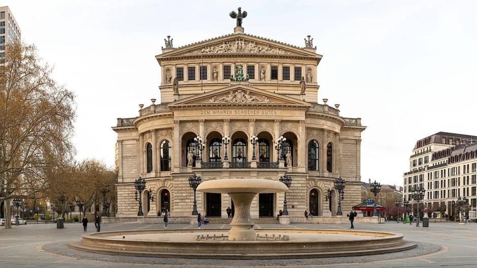 An der Alten Oper soll ein zwanzig Meter langer Laufsteg entstehen