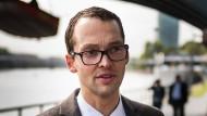 """""""Viele Menschen kommen gerne hierher, um zu arbeiten und gründen eine Familie"""": Frankfurts Statistik-Stadtrat Jan Schneider"""