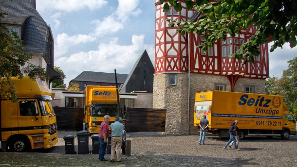Umzug nach regensburg tebartz van elst verl sst seine for Depot regensburg