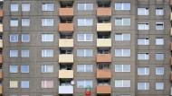 Sanierungsfall: Die Hochhäuser in Niederrad haben ihre besten Jahre hinter sich.