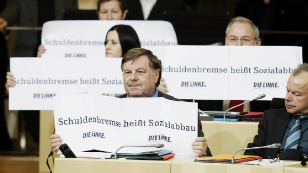 Linke kündigt Klage wegen Schuldenbremse an