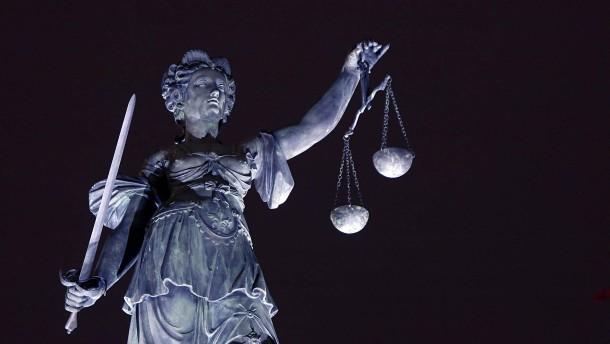 Richter müssen sich mäßigen