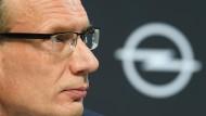 Muss sich derzeit oft erklären, behält aber einiges für sich: Opel-Chef Lohscheller