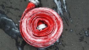 Feuerwehr rettet mehr als 20 Bewohner vor Brand