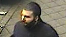 Polizei sucht Messerstecher nach Überfall in Moschee