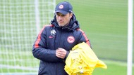 Grübeln für den Klassenverbleib: Niko Kovac beschäftigt sich mit dem Matchplan gegen Dortmund.