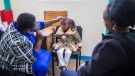 """Augentrost: In einer Klinik im kenianischen Kikuyu wird auch diesem Mädchen geholfen – """"F.A.Z.-Leser helfen"""" will wiederum dieser Einrichtung helfen"""