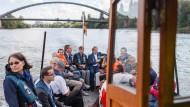 """An Bord: Mit dem Wassertaxi """"Gabi"""" von Offenbach nach Frankfurt"""