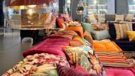 Bunte Sofas bei Roche Bobois