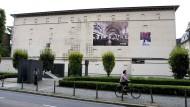 Heute eine Gedenkstätte: Der Hochbunker an der Friedberger Anlage überdeckt die Reste einer orthodoxen Synagoge, die in der Pogromnacht von 1938 angezündet wurde. (Archivbild)