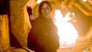 """Umweltschädlich: Jennifer Lawrence stimuliert als """"Panem""""-Gladiatorin das Publikum zu erhöhtem Kohlendioxid-Ausstoß."""