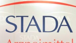 Stada spart und stellt dennoch ein