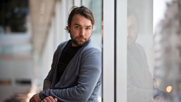 Isaak Dentler - Der Schauspieler gehört dem Ensemble des Schauspiels Frankfurt an