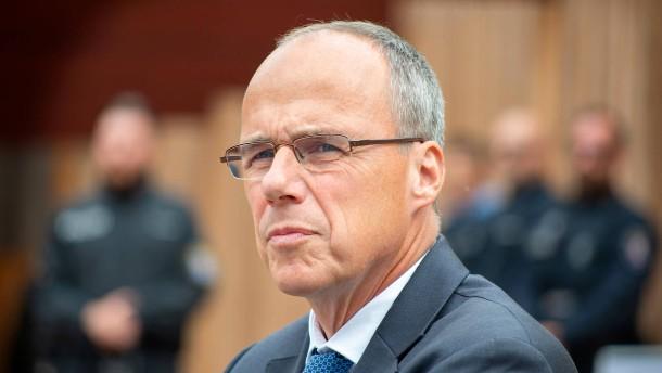 Beuth weist Kritik von Frankfurter Rathauschef als haltlos zurück