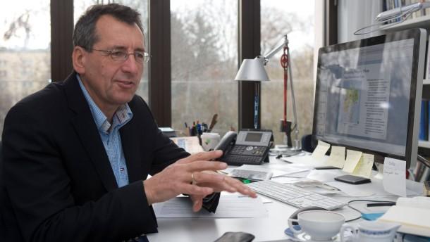Jan Pieter Krahnen - Der Frankfurter  Finanzprofessor im Gespräch über mögliche Bankreformen, die Rolle der Ratingagenturen etc.