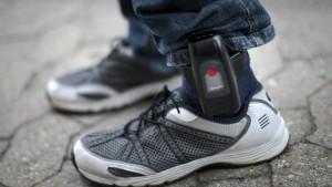 Mit elektronischer Fußfessel auf Einbruchstour