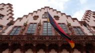 Kommunalwahl Frankfurt: Nach einer Forsa-Umfrage würde die AfD in den Römer einziehen.