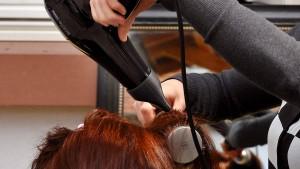 9,72 Euro in der Stunde für Friseure - mindestens