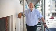 Häuslich: Quasi als Hobby renoviert Claus Wisser heute gerne alte Bauten.