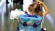 Mehr Geld für kleinere Klassen: Eine Frankfurter Grundschule hat mit falschen Schülerzahlen Geld vom Land Hessen erschlichen. (Symbolbild)