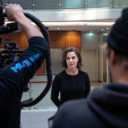 """""""Bad Banks"""" in Frankfurt: Die Hauptdarstellerin Désirée Nosbusch während der Vorbereitungen zum Dreh."""