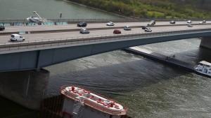 Schiersteiner Brücke wird zersägt
