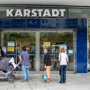 Vom Aus bedroht: Karstadt an der Zeil in Frankfurt