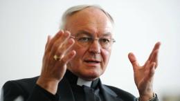 Papst nimmt Algermissens Verzicht an