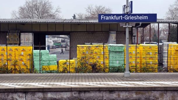 Griesheim - im Zentrum des Stadtteils liegt ein Gewerbegebiet. Das Areal ist im Wandel, Betriebe ziehen fort oder schließen ganz; Flächen liegen brach. Anwohner fordern, das Gebiet mit Wohnungen zu bebauen und zur neuen Mitte von Griesheim zu entwickeln.