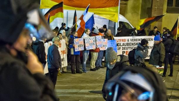 Linke will Pegida mit kreativen Aktionen stoppen