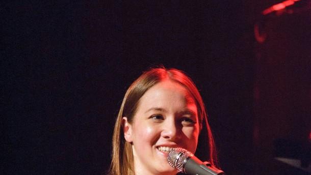 Sophie Hunger - Die Schweizer Sängerin kommt in die Centralstation nach Darmstadt.