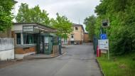 Ausgedient: Das ehemalige Notaufnahmelager am Meisenbornweg will das Land zu einem Lern- und Erinnerungsort machen.