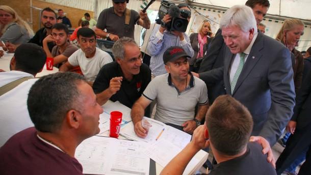 Bouffier: Keine Obergrenze für Flüchtlingsaufnahme