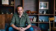 Jenseits des Deutschunterrichts: Boris Hillen fuhr für seinen Roman mit dem Motorrad nach Indien