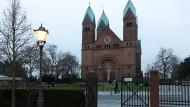 Wahrzeichen: Das Dach der Erlöserkirche in Bad Homburg muss saniert werden