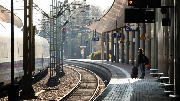 Nach Streit mit Eltern fahren Kinder mit Zug davon