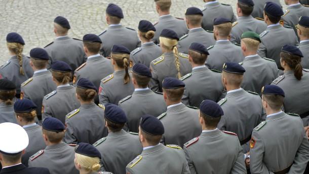 Wehrbeauftragter Bartels fordert Aufklärung über Extremisten