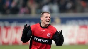 Mittelfeldmann Meier bleibt bis 2014