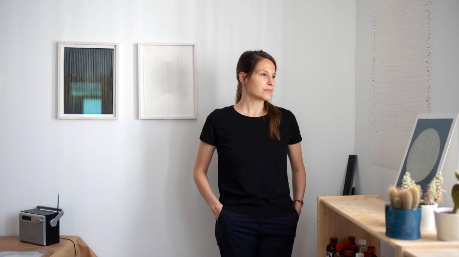 Lena Ditlmann in ihrem Frankfurter Atelier