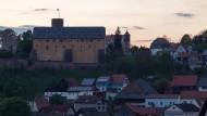 Unterhalb dieser Burg lässt Jan Seghers sein nächstes Verbrechen geschehen: Burg Schwarzenfels