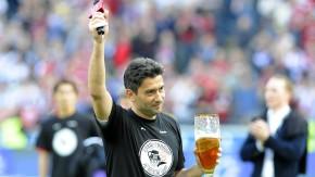 Eintracht Frankfurt  - Die Mannschaft kann zum Saisonfinale  gegen den VfL Wolfsburg die Teilnahme am europäischen Wettbewerb  nächste Saison erreichen. Wie die Mannschaft  gefeiert wird, wie sie sich feiert, wie sie sich bei den Fans bedankt.