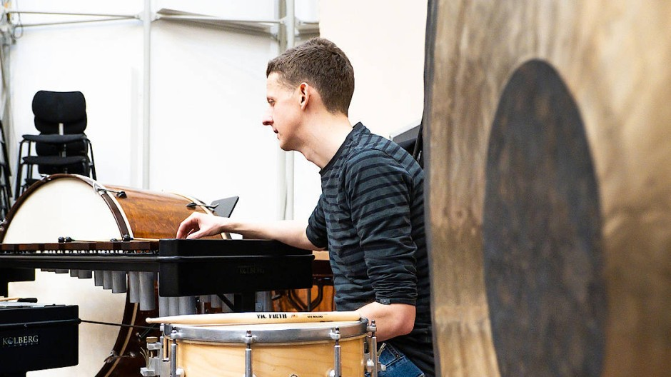 Kann mächtig Lärm machen: Steffen Uhrhan ist Schlagzeuger an der Alten Oper Frankfurt.