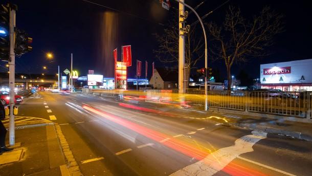 Schwerer Autounfall mit Todesopfer – Illegales Autorennen in Wiesbaden
