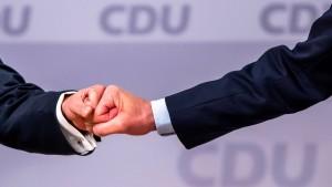 Was die Wahl von Armin Laschet für Hessen bedeutet