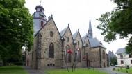 Steinalt: Die Markuskirche in Butzbach geht auf das frühe 15. Jahrhundert zurück und ist als dreischiffige gotische Hallenkirche gestaltet